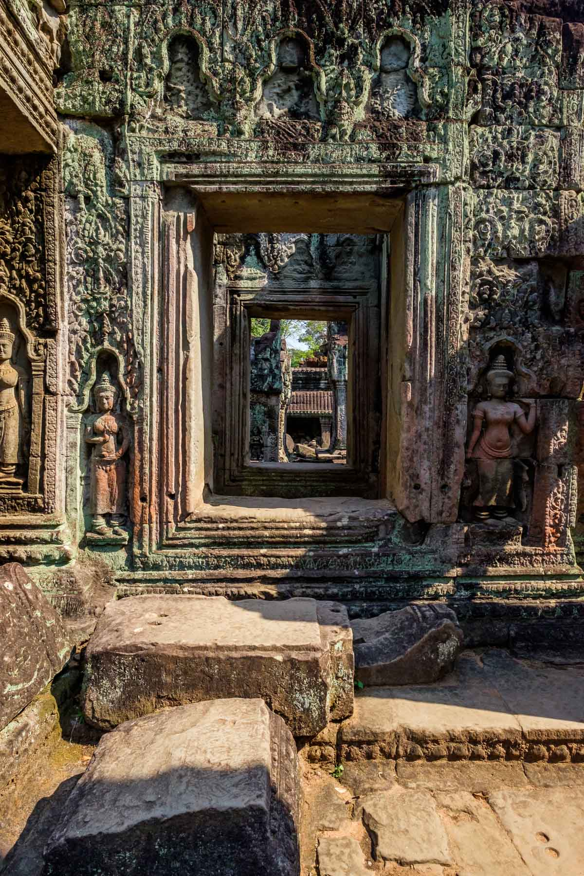Carved wall sculptures at Preah Khan