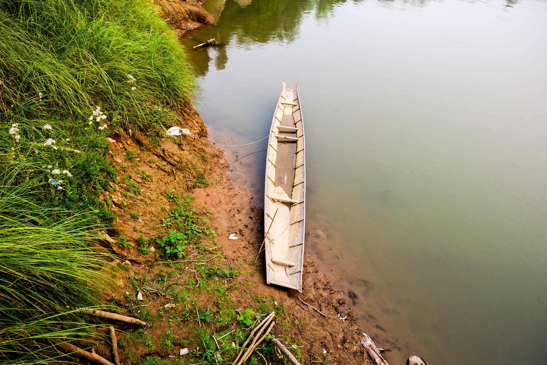 Single boat in Luang Prabang
