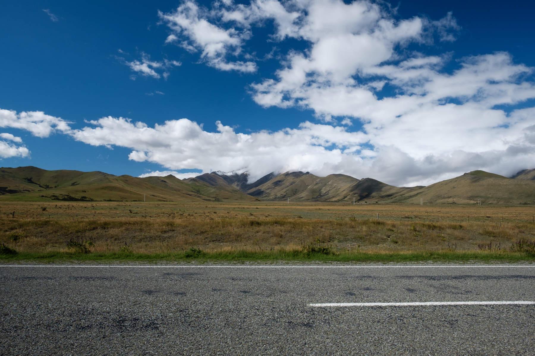 Road to Lake Tekapo new zealand