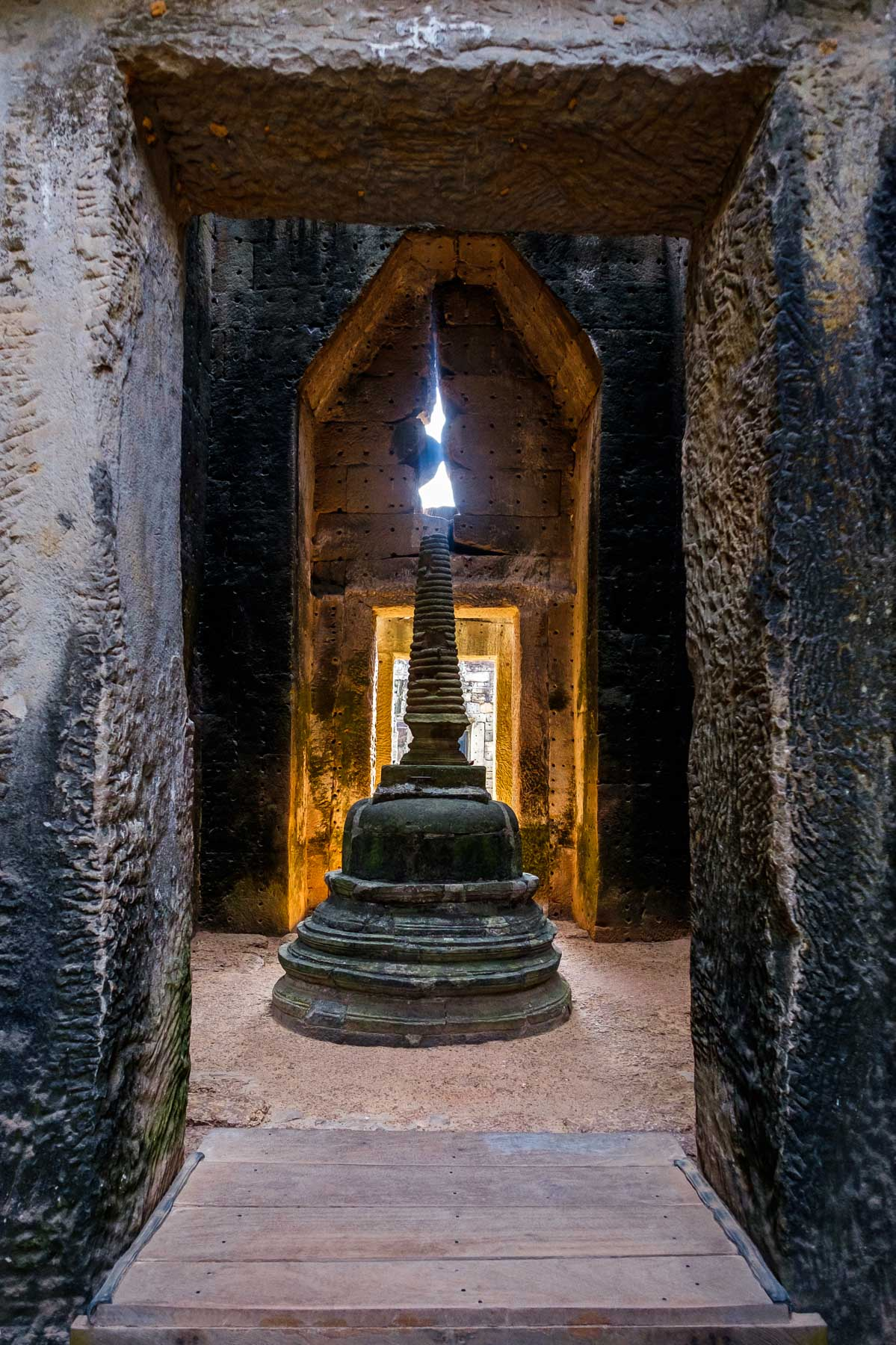Stupa with sunlight at Preah Khan