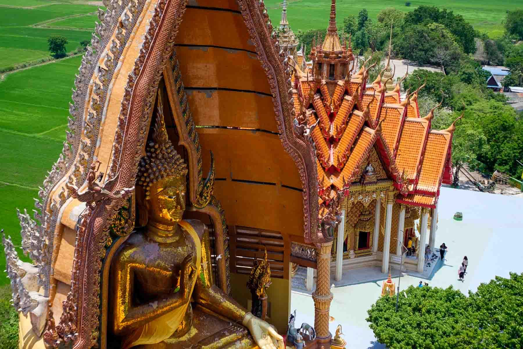 Wat Tham Suea Buddha - Light loca