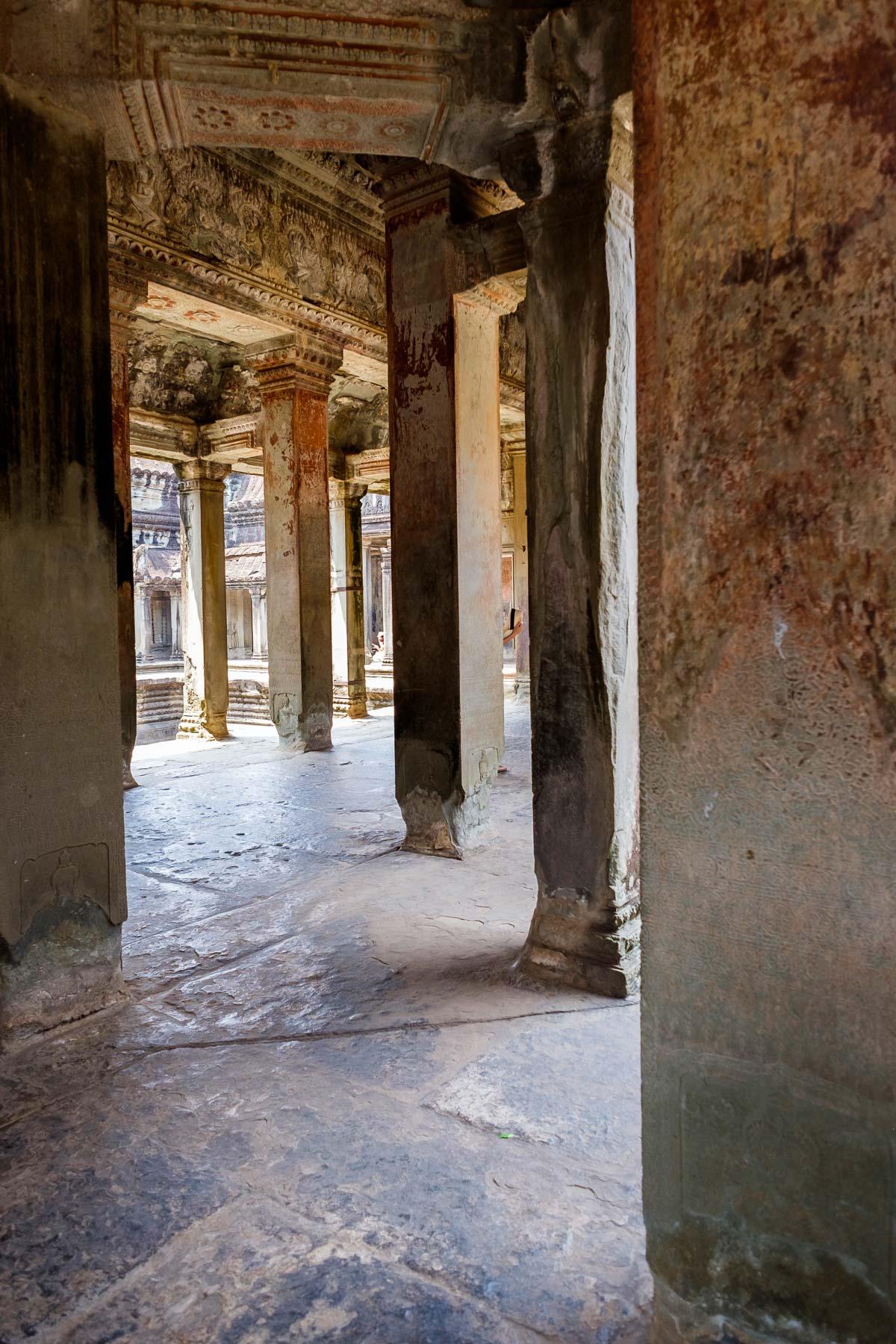 building columns Angkor wat