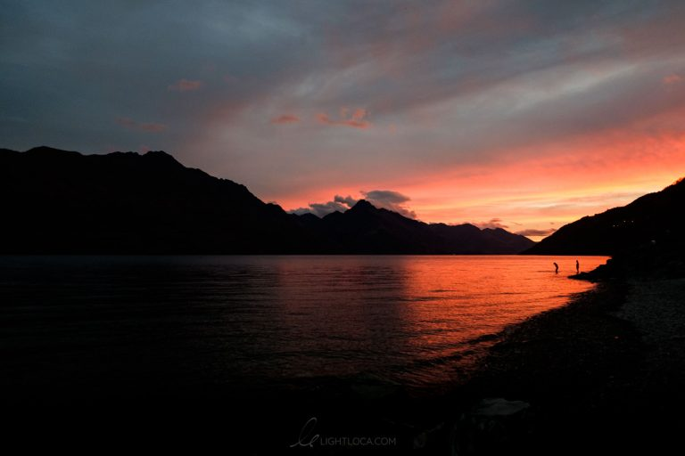 queenstown lake sunset New Zealand